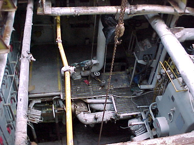 LSD-32 Engine Room 1b